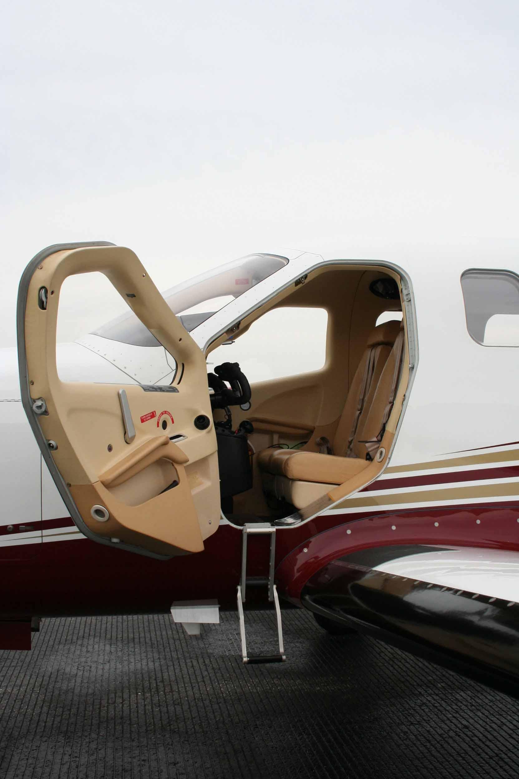 N900CY Pilot Door web