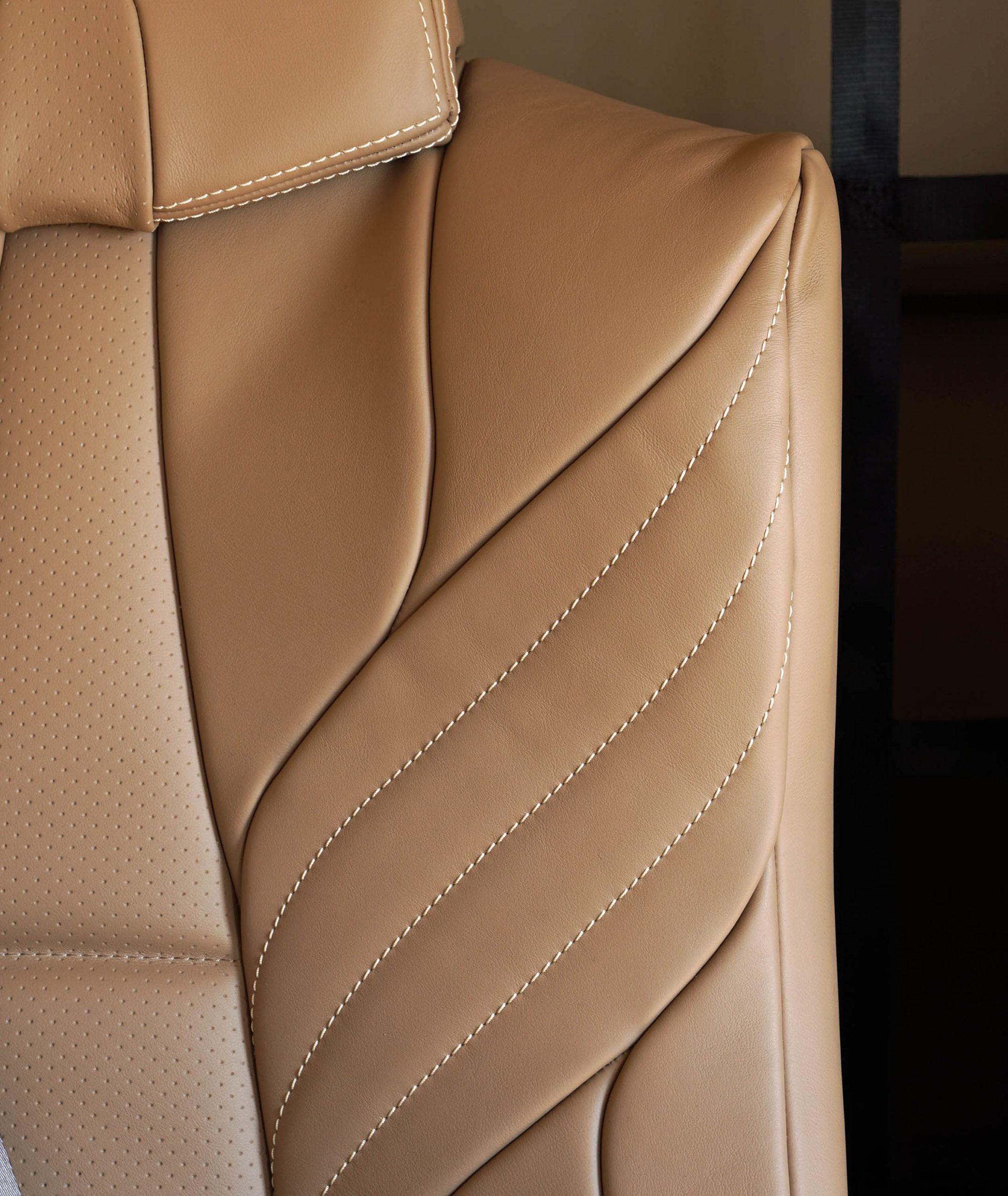 N940TM Seat Detail web